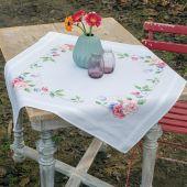 Kit de nappe à broder - Vervaco - Fleurs et papillons