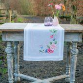 Kit de chemin de table à broder - Vervaco - Fleurs et papillons