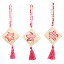 Kit d'ornement à broder - Anchor - 3 suspensions Noël - Losanges rouges