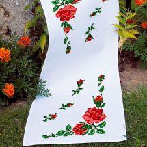 Kit de chemin de table à broder - Luc Créations - Roses