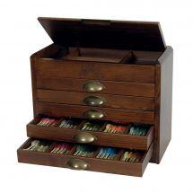 Rangement pour fils - DMC - 500 coloris de Mouliné Spécial dans un meuble vintage