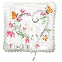 Kit de coussin à broder - Princesse - Mariage coeur en fleurs