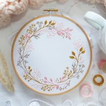 Kit de broderie sur tambour - Tamar Nahir Yanai - Cercle de fleurs sauvages