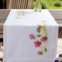 Kit de chemin de table à broder - Vervaco - Mésange bleue avec violettes