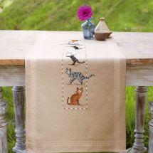 Kit de chemin de table à broder - Vervaco - Chats espiègles