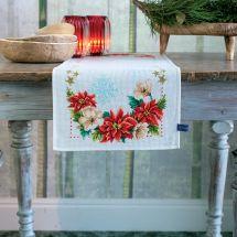 Kit de chemin de table à broder - Vervaco - Fleurs de noël