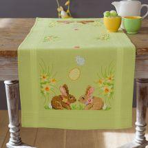 Kit de chemin de table à broder - Vervaco - Lapins de Pâques