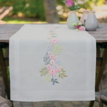 Kit de chemin de table à broder - Vervaco - Fleurs et feuilles