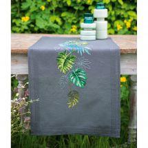 Kit de chemin de table à broder - Vervaco - Botanique