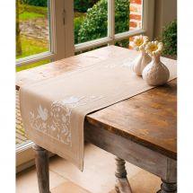 Kit de chemin de table à broder - Vervaco - Les oiseaux blancs